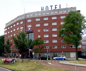 Best budget hotels in amsterdam find a cheap hotel rate for Art hotel amsterdam